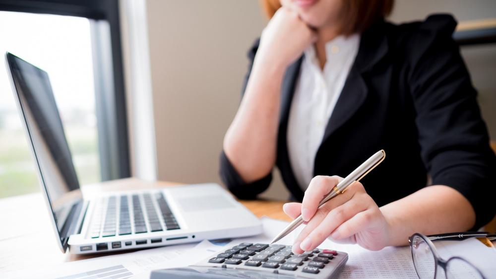 International students must develop their financial management skills